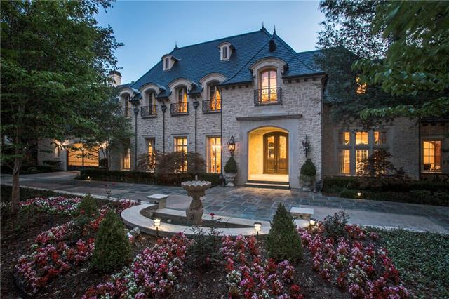 Residential for Sale at 29 Glen Abbey Drive 29 Glen Abbey Drive Dallas, Texas 75248 United States